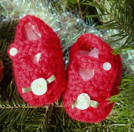 blog-magdaleneknits-newbornchristmasmaryjanes-11