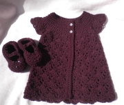crochetbabygirlsweater-maryjanes-plum2