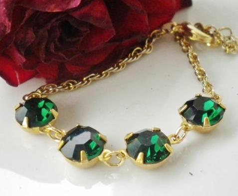 Bracelet.EmeraldSwarovskiCrystals.VintageChain